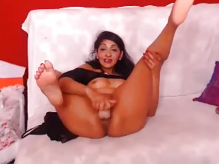 Webcam - 43 year old Euro MILF with tight body teasing
