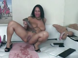 Webcam Milf with Tattoos Squirt