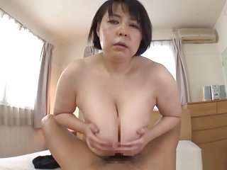 Misuzu Tomizawa hot mature Asian babe enjoys a hot tit fucking