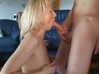 Cleaning Lady Gets her Pussy and Mouth Creamed