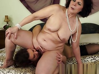 Queening granny finger fucked by young lesbo