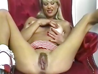 Retro Milf Catalina