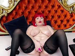 Free Live Sex Chat with VikyRosse d114