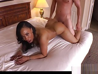 Cougar New Mama Monae Gives Titjob Sweet Young Stepson