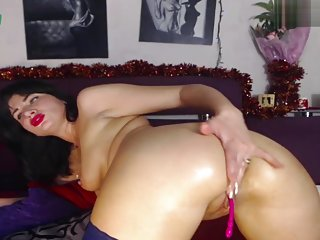 My horney mom fucks her milf ass and cums 2 times -she is a webcam slut to0